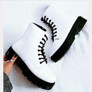Shoes - 🆕️The Seattle// white platform combat boot